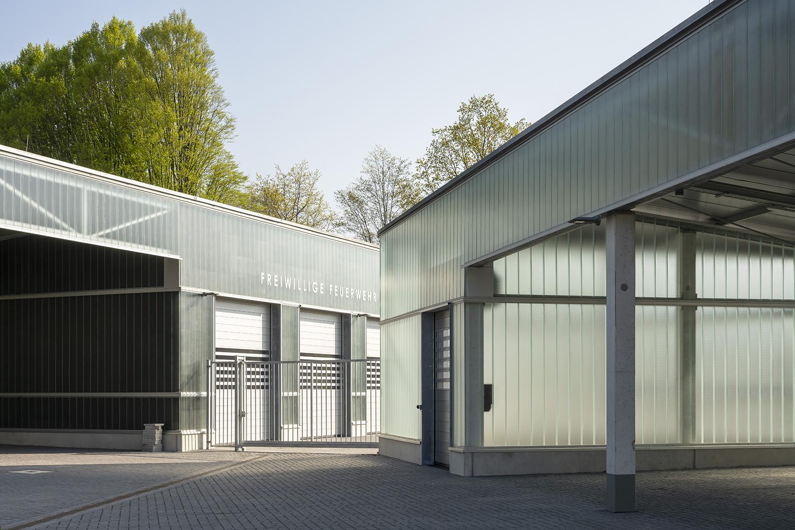 Banner Betriebshof und freiwillige Feuerwehr der Stadt Bochum